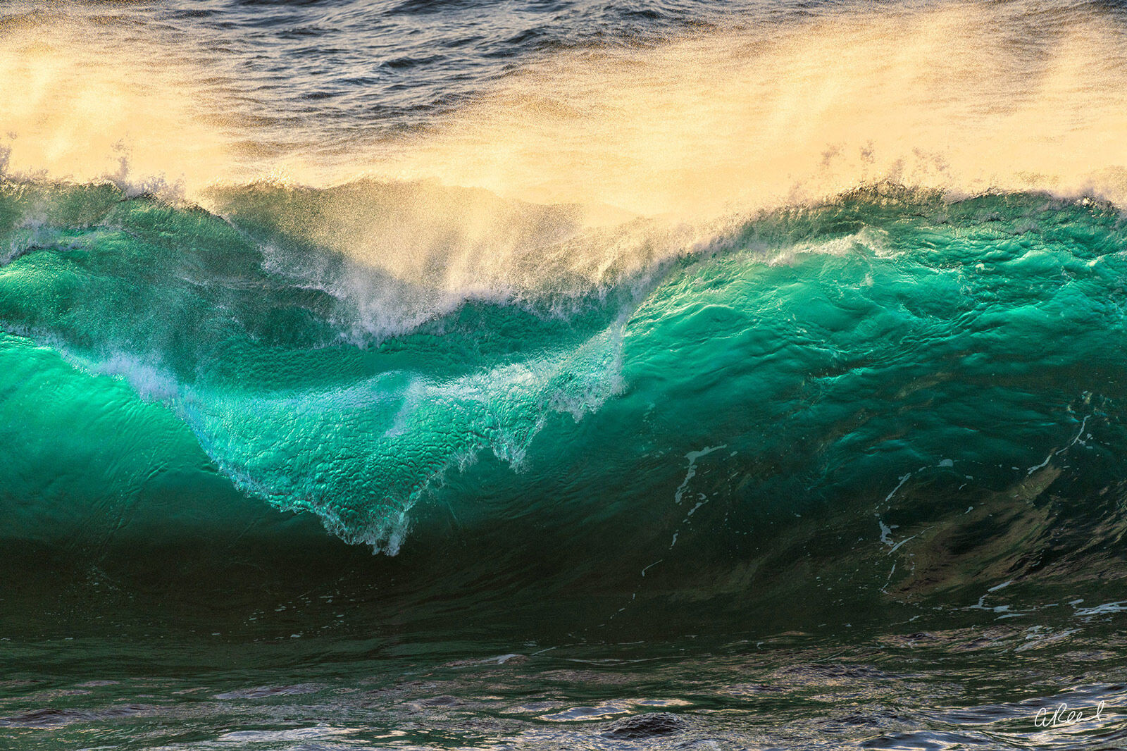 Emerald Ocean Wave In Bog Sur California. , photo